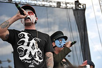 330px-Hollywood_Undead(by_Scott_Dudelson).jpg